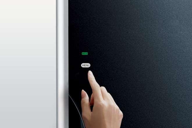 Tủ lạnh Hitachi 3 cửa - Bảng Điều Khiển Cảm Ứng